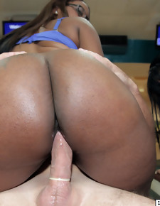 Sweet cute ass booty pics, If you like giant 40 inch asses your gonna love this video.