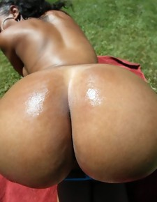There's no skinny white girls here, unaccompanied magnificent black beauties with deliciously round booties