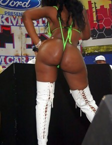 There's no skinny white girls here, unsurpassed gorgeous black beauties with deliciously round booties