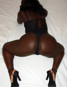 There's no shrivelled white girls here, only incomparable black beauties with deliciously round booties