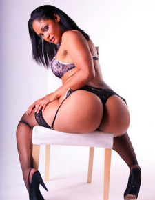 There's no skinny white girls here, unassisted gorgeous black beauties with deliciously round booties