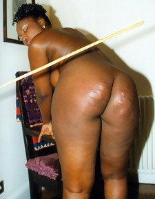 There's no skinny waxen girls here, only gorgeous black beauties with deliciously round booties
