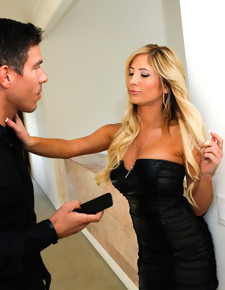 Tasha Reign & Mick Blue in Neighbor Affair - Naughty America