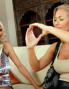 Emma Starr, Nicole Aniston & Billy Glide in 2 Chicks Same Time - Naughty America