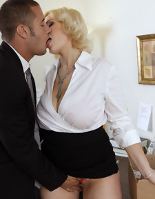 Siri & Danny Mountain in Naughty Office - Naughty America