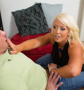 Alura Jenson & Bill Bailey in Seduced by a Cougar - Naughty America
