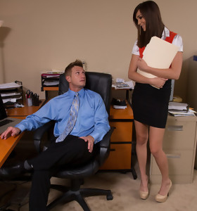 Holly Michaels & Bill Bailey in Naughty Office - Naughty America